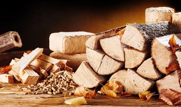 Umweltschonend Heizen - Holz